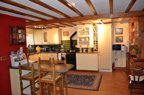 Sun hill kitchen