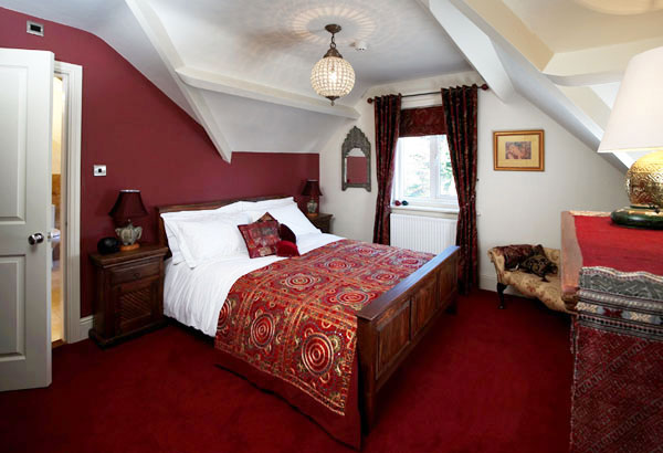 Dillons of whitby kingsize room