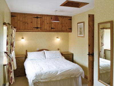 Spings cottage bedroom