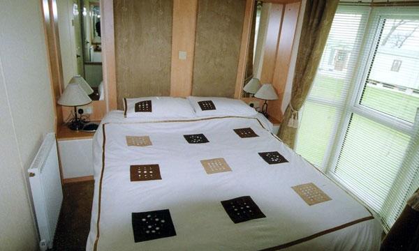 High straggleton farm willerby aspen bedroom