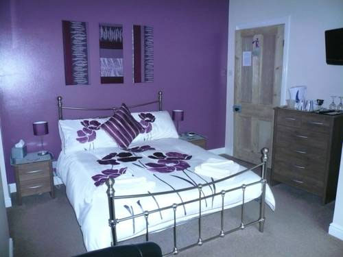 Purple double bedroom