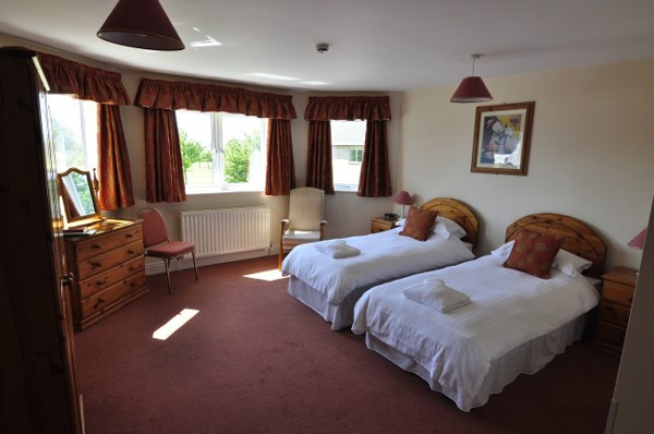 Sneaton castle centre twin bedroom