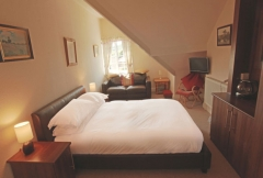 The Wayfarer Bistro & B&B Rooms, Whitby