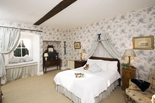 Gun room apartment bedroom ingleby manor