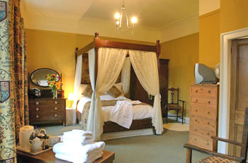 Cononley hall four poster