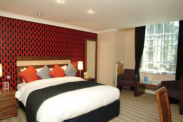 Dean court hotel bedroom
