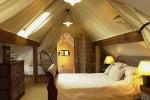 Crab Manor Hotel, Asenby